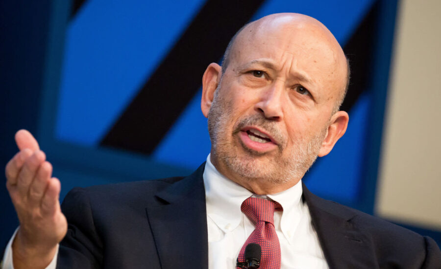 Former Goldman Sachs CEO: If I Were a Regulator, I'd Be Hyperventilating at the Success of Bitcoin