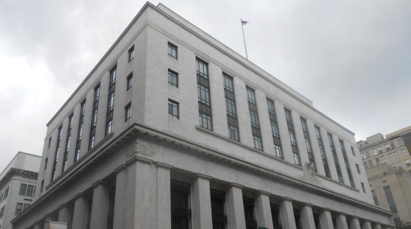 Federal Reserve governor says private stablecoins are likely better than CBDCs